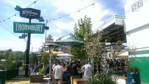 Thornybury....sehen und gesehen werden heißt es im Food Truck Park.